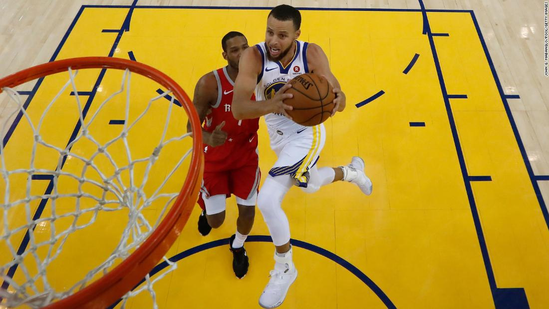 "Stephen Curry of the Golden State Warriors goes up for a shot against Trevor Ariza of the Houston Rockets during Game 6 of the NBA's Western Conference finals in Oakland, California, on Saturday, May 26. <a href=""https://www.cnn.com/2018/05/20/sport/gallery/what-a-shot-sports-0520/index.html"" target=""_blank"">See 27 amazing sports photos from last week </a>"