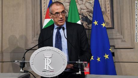 Carlo Cottarelli addresses a press conference at the Qurinale presidential palace on May 28, 2018 in Rome after Italian President gave him mandate to form a government. - Italy's president appointed pro-austerity economist Carlo Cottarelli, 64, to form a potential technocrat government as the country lurched into fresh political chaos following the collapse of a populist bid for power. (Photo by Andreas SOLARO / AFP)        (Photo credit should read ANDREAS SOLARO/AFP/Getty Images)