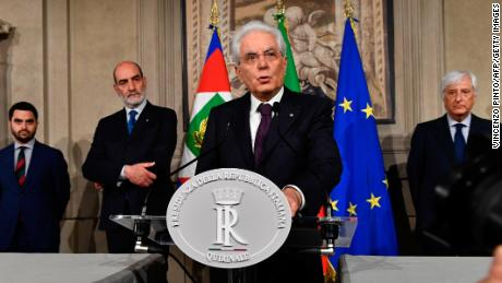 "TOPSHOT - Italy's President Sergio Mattarella addresses journalists after a meeting with Italy's prime ministerial candidate Giuseppe Conte on May 27, 2018 at the Quirinale presidential palace in Rome. Italy's prime ministerial candidate Giuseppe Conte gave up his mandate to form a government after talks with the president over his cabinet collapsed. - ""I have given up my mandate to form the government of change. I thank the president of the republic for having given me the mandate on May 23. I thank the two political forces Luigi Di Miao for the Five Star and Matteo Salvini from the League for having put me up as a candidate,"" said Conte to reporters after leaving a failed summit with president Sergio Mattarella today. (Photo by Vincenzo PINTO / AFP)        (Photo credit should read VINCENZO PINTO/AFP/Getty Images)"
