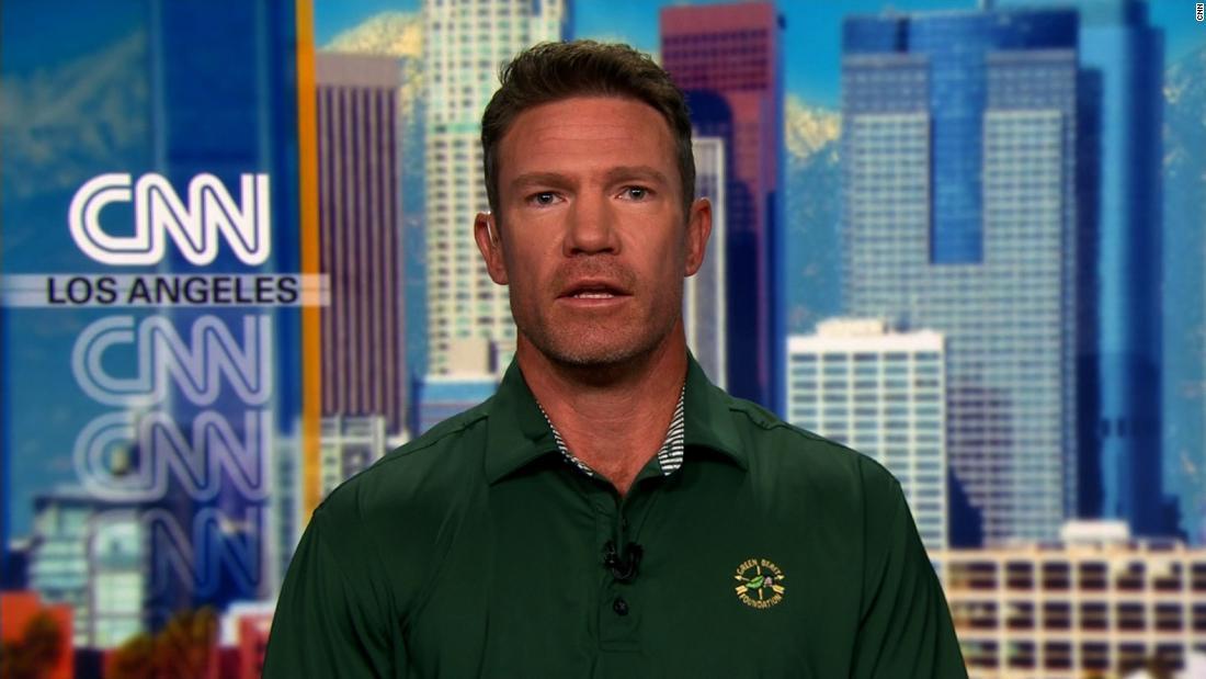 Ex-Green Beret, NFLer weighs in on anthem rule
