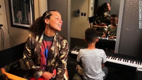 alicia keys shares duet with son mxp_00003408
