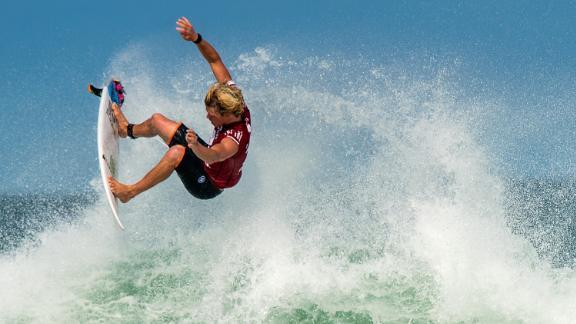 RIO DE JANEIRO, BRAZIL - MAY 15:  John John Florence of Hawaii surfs during his Round 4 heat at the Oi Rio Pro on May 15, 2015 in Rio de Janeiro, Brazil. (Photo by Buda Mendes/Getty Images)> on May 15, 2015 in Rio de Janeiro, Brazil.  (Photo by Buda Mendes/Getty Images)