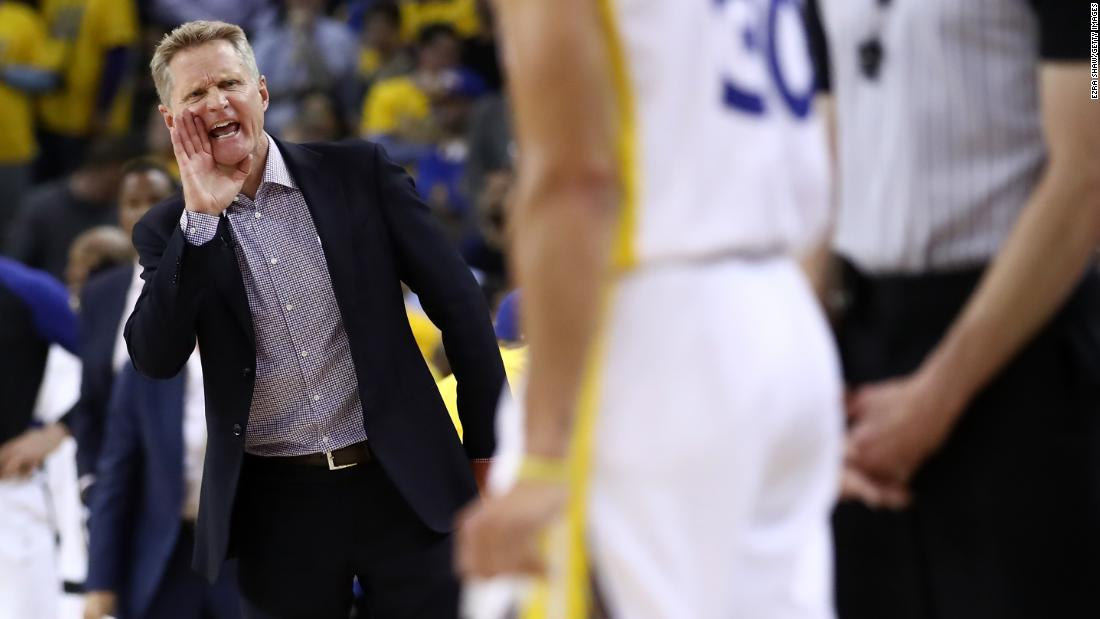 Golden State head coach Steve Kerr instructs his players during Game 1.