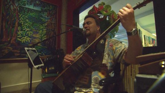 Hawaii tourism Marquez