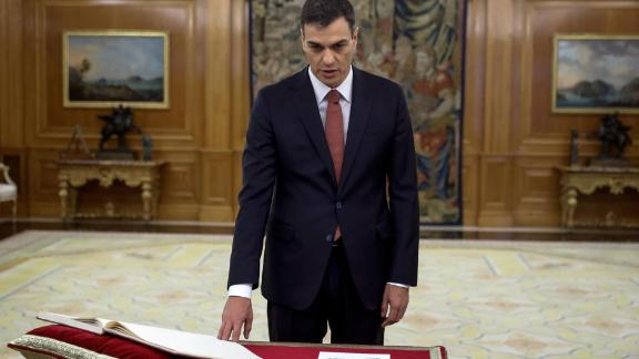Pedro Sánchez takes the oath of office Saturday at the Zarzuela Palace outside Madrid.