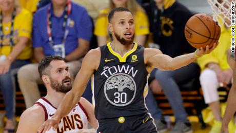 4300827d7f5c Golden State Warriors guard Stephen Curry (30) shoots against Cleveland  Cavaliers forward Kevin Love