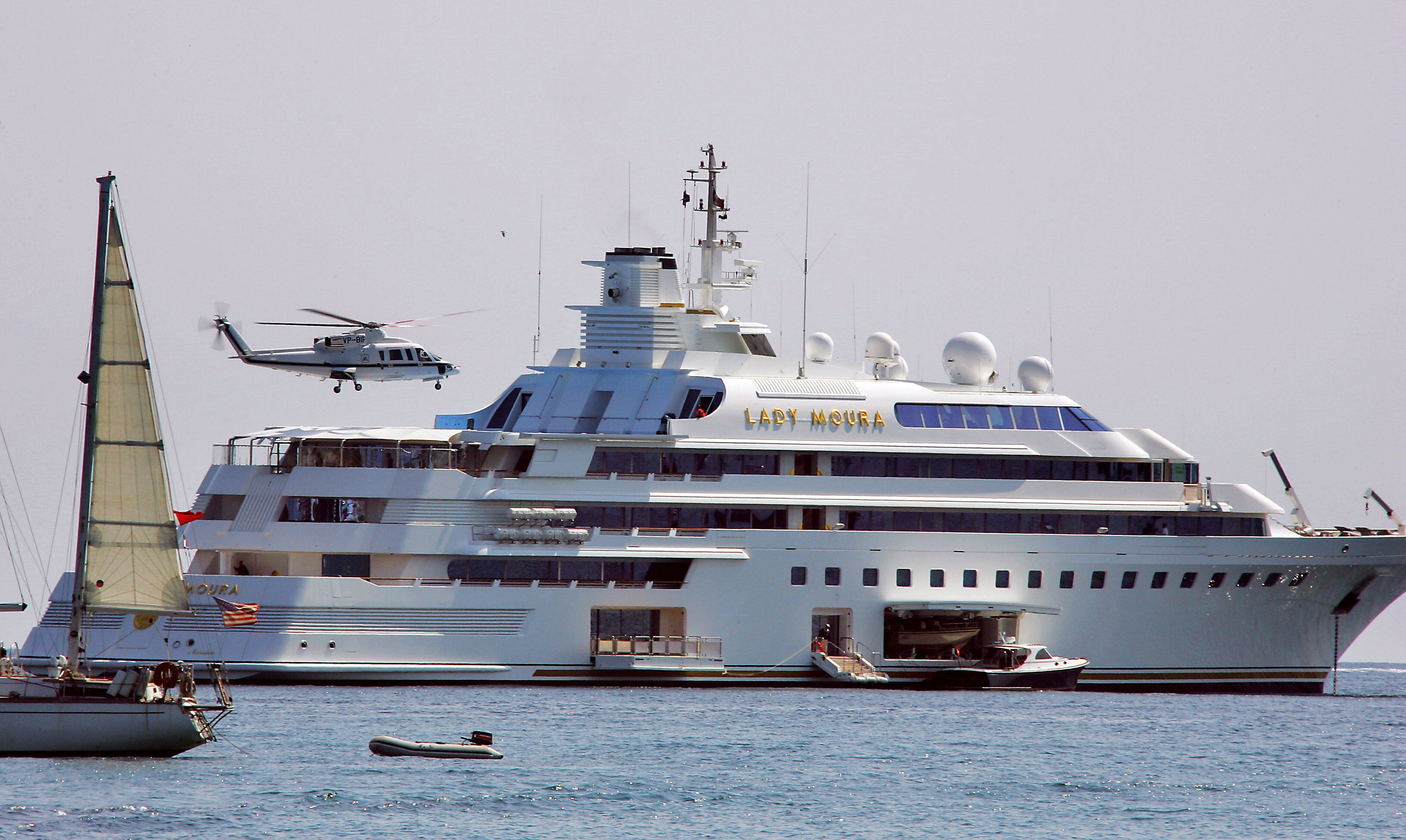 10 Of The World S Most Expensive Superyachts And Their Owners
