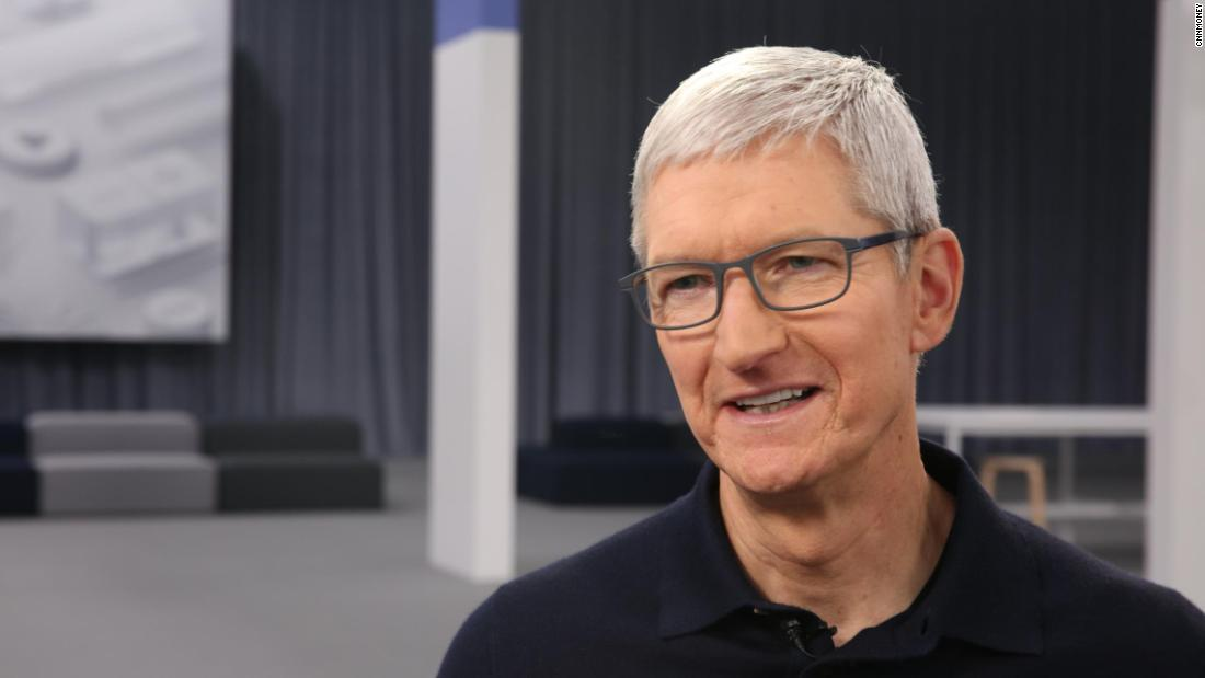 "Tim Cook: ""There Are Companies That Engulf Your Data for Who Knows What Advertising Purposes."" We Do Not»"