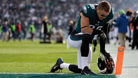 Philadelphia Eagles' Zach Ertz kneels before an NFL football game against the Chicago Bears, Sunday, Nov. 26, 2017, in Philadelphia. (AP Photo/Michael Perez)