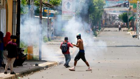 Nicaragua government agrees to international probe into deadly protests
