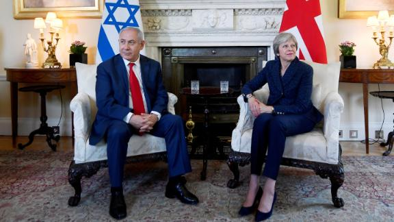 LONDON, ENGLAND - JUNE 06:  Britain's Prime Minister Theresa May welcomes Israel's Prime Minister Benjamin Netanyahu to Downing Street on June 6, 2018 in London, England. (Photo by Toby Melville - WPA Pool/Getty Images)
