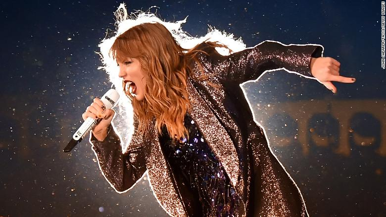 CHICAGO, IL - JUNE 01:  Taylor Swift performs onstage during the 2018 reputation Stadium Tour at Soldier Field on June 1, 2018 in Chicago, Illinois.  (Photo by John Shearer/TAS18/Getty Images)