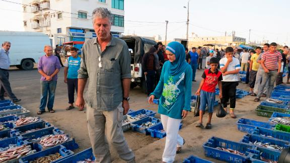Anthony Bourdain walks through Gaza City's fish market.