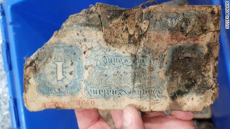 Builders stumbled upon a cache of wartime bills with a face value of £30,000 in the seaside city of Brighton in the UK.