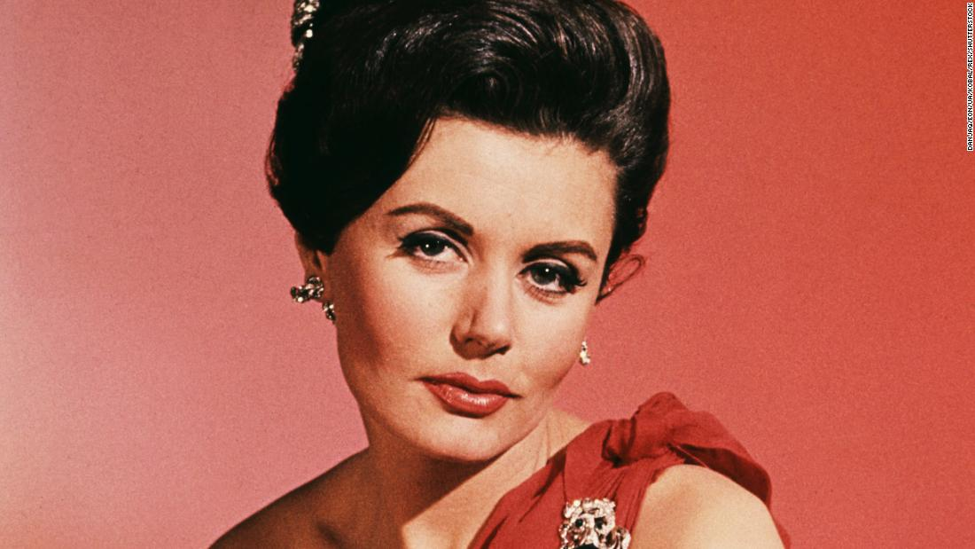 Eunice Gayson The First Bond Girl Dies Cnn