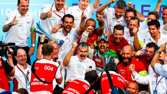 Di Grassi (center, in cap) celebrated with the entire Audi Sport team after his Zurich victory. The Brazilian would finish second in the drivers