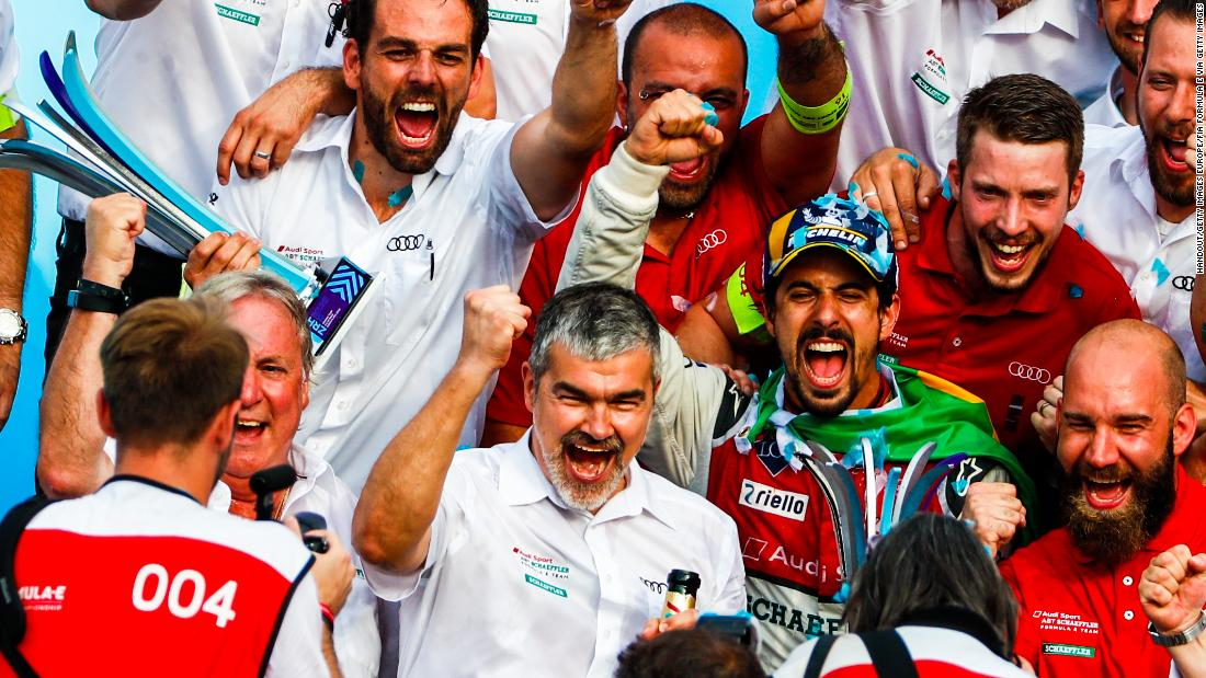 Di Grassi (center, in cap) celebrated with the entire Audi Sport team after his Zurich victory. The Brazilian would finish second in the drivers' championship at the end of the season.