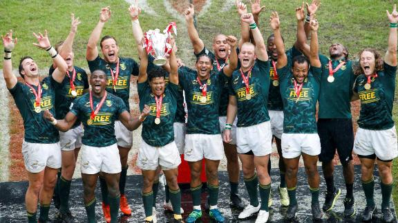 South Africa's team holds the trophy after winning the final of the Men cup rugby union 7s game between South Africa and England, on the third day of the 2018 Paris Sevens at Jean Bouin Stadium in Paris on June 10, 2018. (Photo by GEOFFROY VAN DER HASSELT / AFP)        (Photo credit should read GEOFFROY VAN DER HASSELT/AFP/Getty Images)