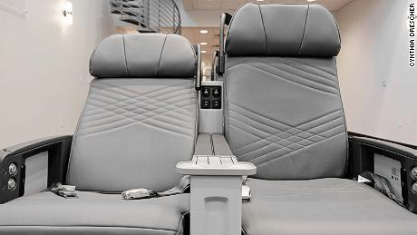Zodiac Aerospace seats for Singapore Airlines' Airbus A350-900 ULR
