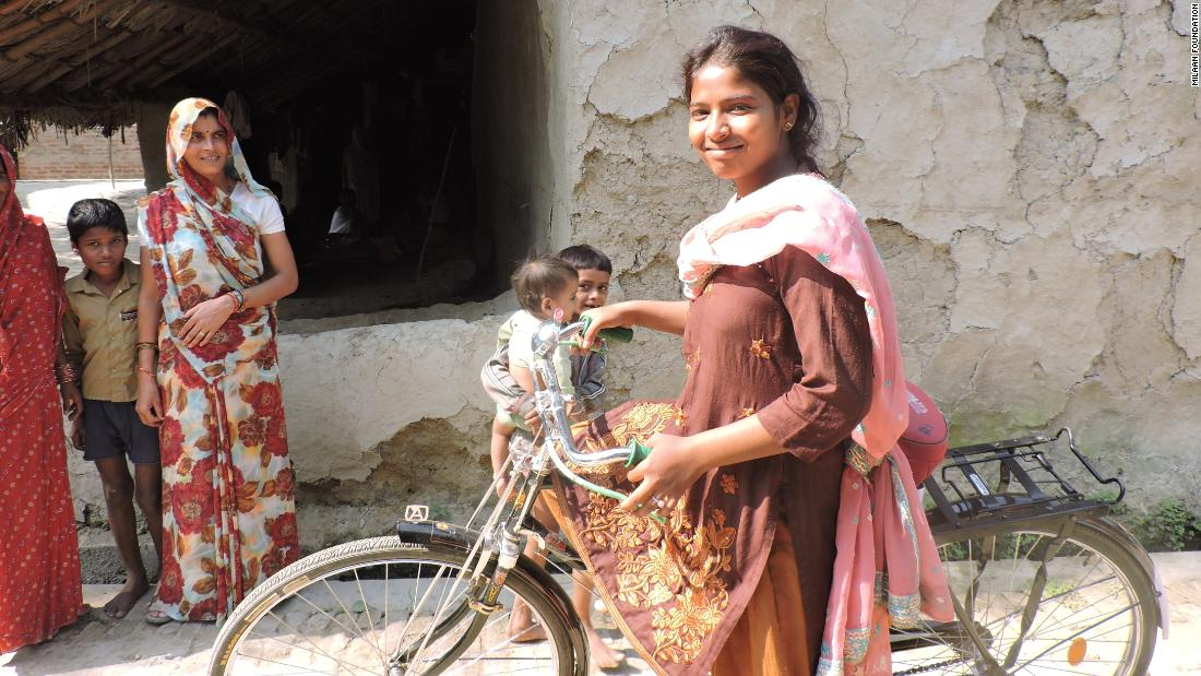 Would-be Indian child bride fights back, helps others