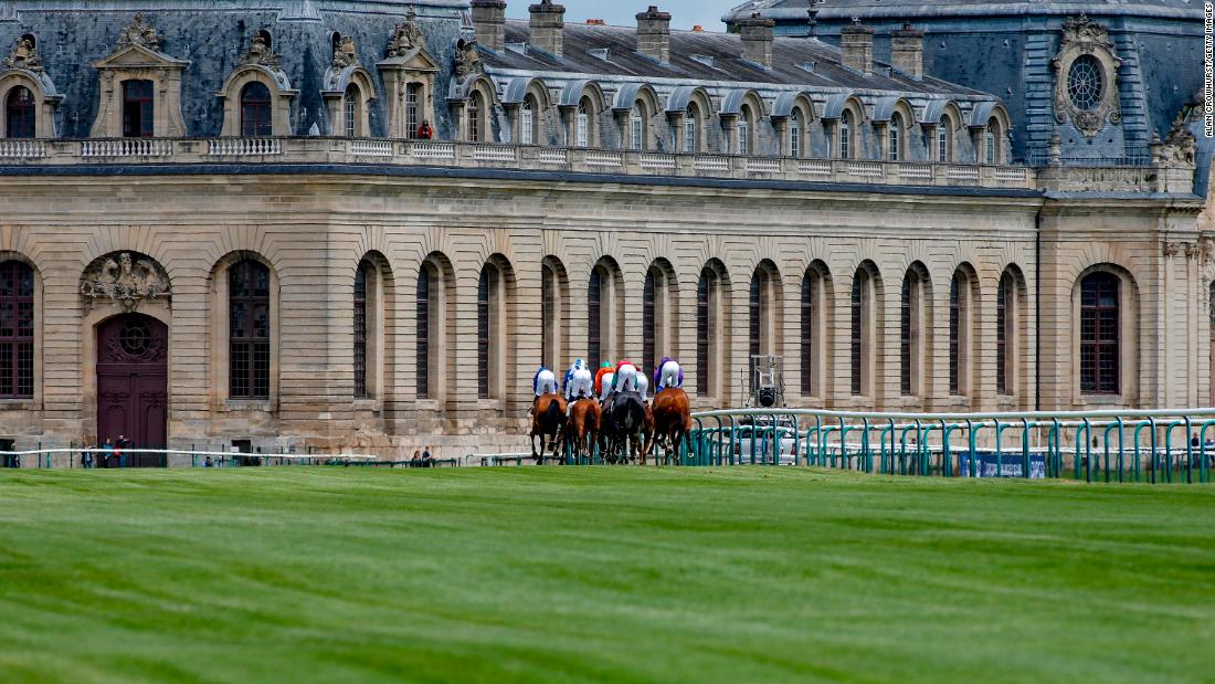 Chantilly hosts the famous Museum of the Horse in the iconic Great Stables, which were built in 1719.