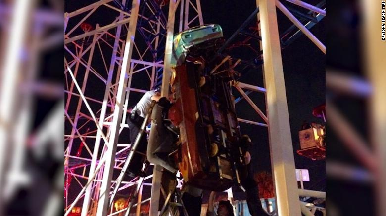 Ns Slug Fl Daytona Beach Roller Coaster Derails Photos Synopsis