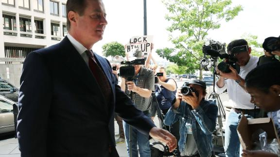 WASHINGTON, DC - JUNE 15:  Former Trump campaign manager Paul Manafort arrives at the E. Barrett Prettyman U.S. Courthouse for a hearing on June 15, 2018 in Washington, DC. Today a federal judge could rule on whether to revoke Manafort