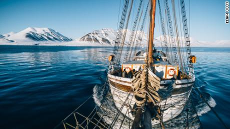 A shot from the bowsprit of the Linden in Svalbard.