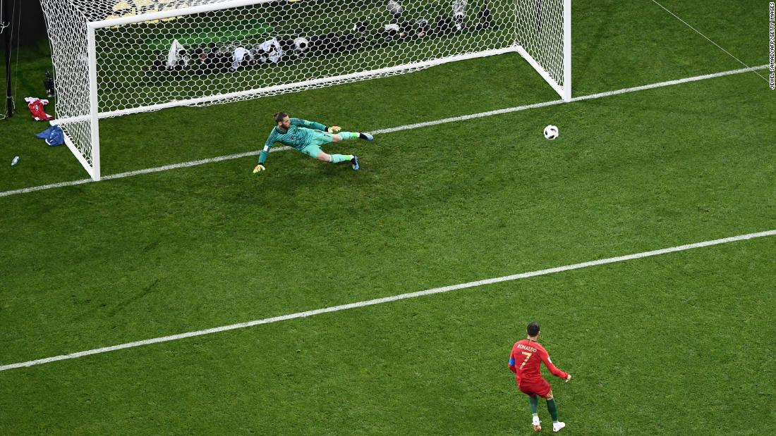 Ronaldo coolly slots home his penalty.