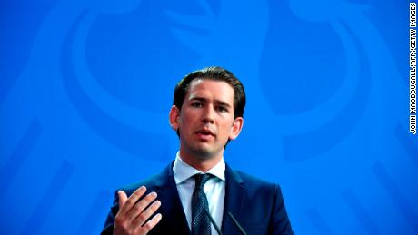 Austrian Sebastian Kurz, a conservative rock star, runs a thin red line & # 39; in Europe
