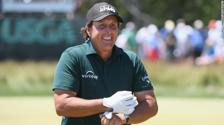 SOUTHAMPTON, NY - JUNE 16:  Phil Mickelson of the United States smiles on the third green during the third round of the 2018 U.S. Open at Shinnecock Hills Golf Club on June 16, 2018 in Southampton, New York.  (Photo by Ross Kinnaird/Getty Images)