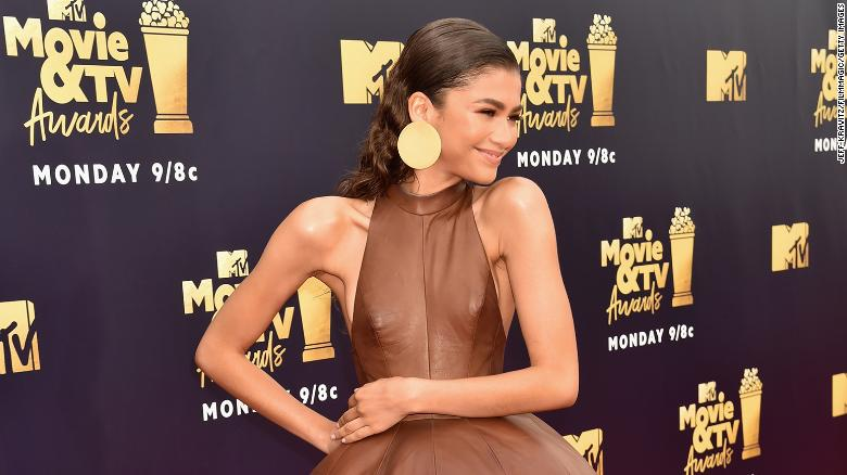 SANTA MONICA, CA - JUNE 16:  Actor Zendaya attends the 2018 MTV Movie And TV Awards at Barker Hangar on June 16, 2018 in Santa Monica, California.  (Photo by Jeff Kravitz/FilmMagic)