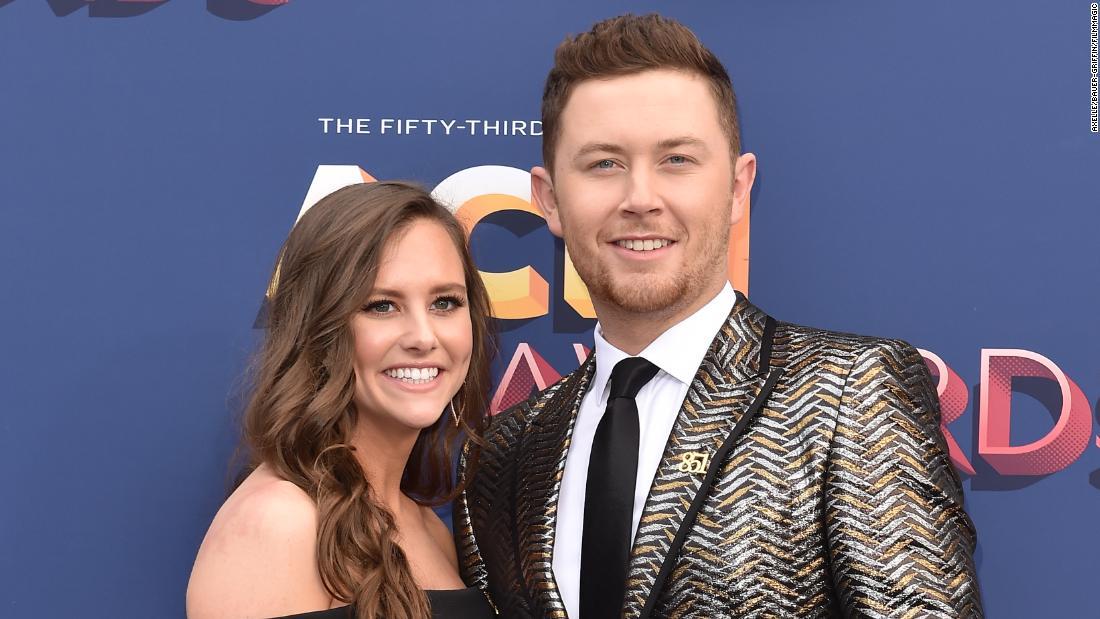 'Idol' McCreery weds high school sweetheart