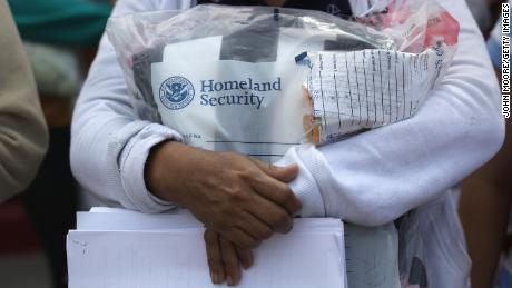 "MCALLEN, TX - JUNE 11:  Central American immigrants depart ICE custody, pending future immigration court hearings on June 11, 2018 in McAllen, Texas. Thousands of undocumented immigrants continue to cross into the U.S., despite the Trump administration's recent ""zero tolerance"" approach to immigration policy.  (Photo by John Moore/Getty Images)"