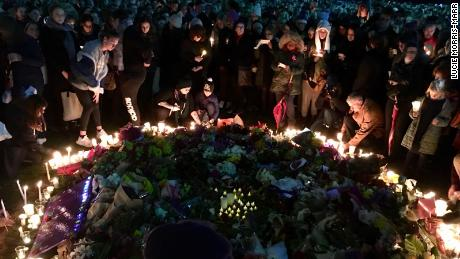 Thousands of people took part in a peaceful candle lit vigil in memory of Eurydice Dixon Monday evening in Melbourne.
