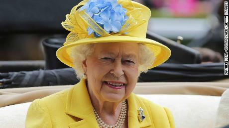 Britain's Queen Elizabeth II arrives on day one of the Royal Ascot horse racing meet, in Ascot, west of London, on June 19, 2018. - The five-day meeting is one of the highlights of the horse racing calendar. Horse racing has been held at the famous Berkshire course since 1711 and tradition is a hallmark of the meeting. Top hats and tails remain compulsory in parts of the course while a daily procession of horse-drawn carriages brings the Queen to the course. (Photo by Daniel LEAL-OLIVAS / AFP)        (Photo credit should read DANIEL LEAL-OLIVAS/AFP/Getty Images)