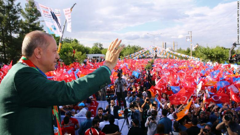 Turkish President Recep Tayyip Erdogan greets the crowd during Turkey's ruling Justice and Development (AK) Party's rally in Diyarbakir, on June 3, 2018. - Turkey's opposition is fielding a leftist candidate known for impassioned speeches and even anti-American rhetoric in a bid to pose a serious challenge to President Recep Tayyip Erdogan in June's elections. With the election, the Republican People's Party (CHP) -- a bastion of secular Turkey founded by Mustafa Kemal Ataturk -- is hoping to reverse its electoral fortunes which has seen it struggling to win more than a quarter of the vote. (Photo by Kayhan OZER / PRESIDENTIAL PALACE / AFP)        (Photo credit should read KAYHAN OZER/AFP/Getty Images)