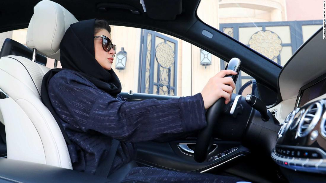 women driving in saudi arabia why If women were not allowed to drive in saudi arabia, how come they learnt driving in one day and they pose while driving why has saudi arabia only recently allowed women to drive while women in other muslim majority countries have been allowed to drive decades ea.