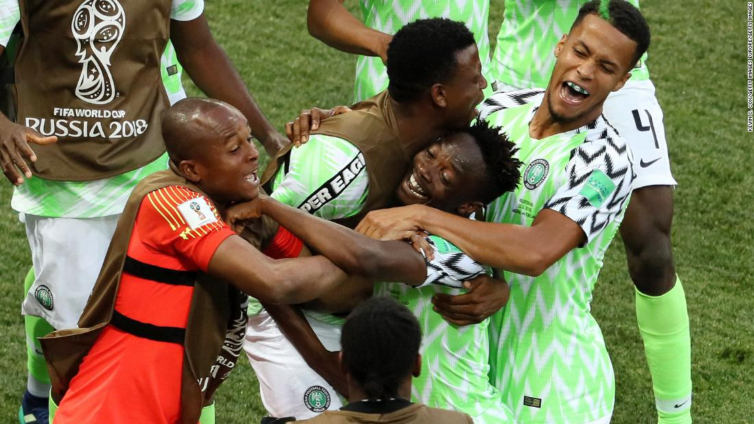 Nigeria scores twice and revives World Cup hopes