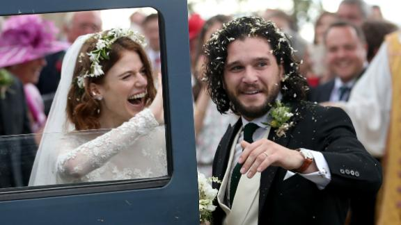 Kit Harington and Rose Leslie at Rayne Church, Kirkton of Rayne in Aberdeenshire, after their wedding.