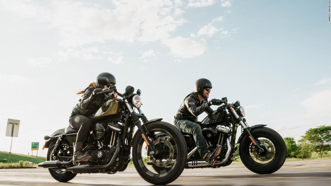 Harley-Davidson warns that motorcycle sales are slowing