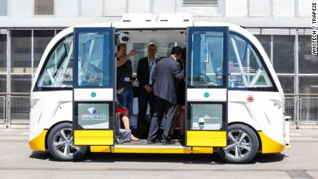 Self-driving electric bus propels Swiss town into the future