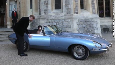A Clic E Type Jaguar Was Ridden By Newlyweds Britain 39 S Prince