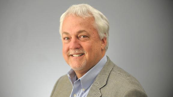 Capital Gazette editor Rob Hiaasen identified as victim of shooting at newspaper.