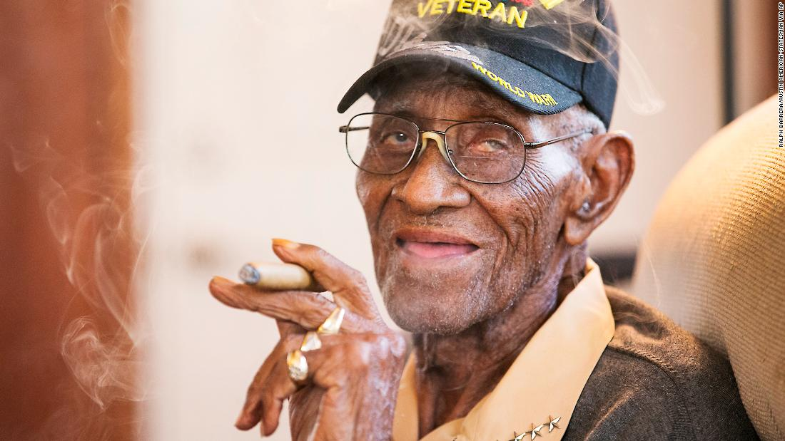Thieves emptied the bank account of America's oldest living veteran - CNN