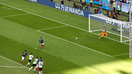 Antoine Griezmann opens the scoring from the spot.