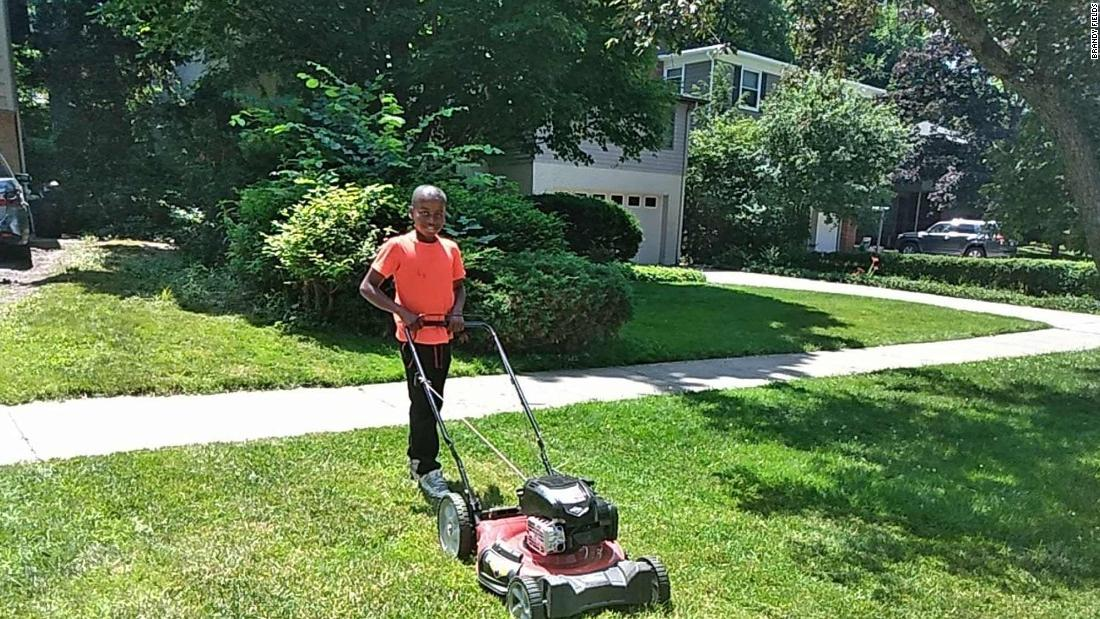 Neighbor calls police on a 12-year-old boy for mowing the wrong lawn