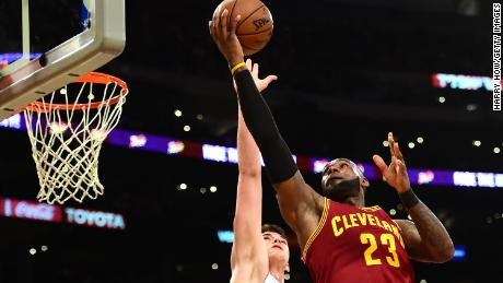 ed85204ef49 LeBron James to join the Los Angeles Lakers - CNN Video