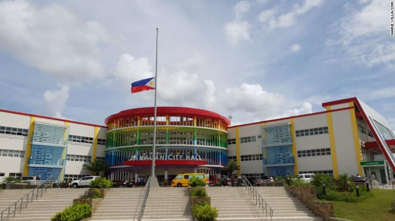 The flag in front of Tanauan City Hall flies at half mast following the murder of Mayor Antonio Halili