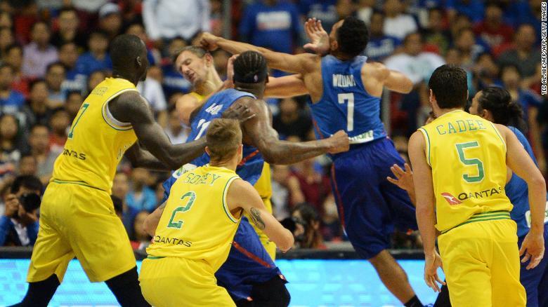 Australia and Philippines basket-brawl b1dff188b